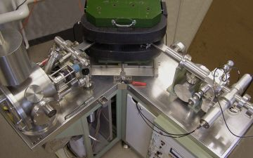 Thermal_ionization_mass_spectrometer.jpg